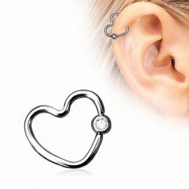 Piercing cartilage hélix anneau captif coeur