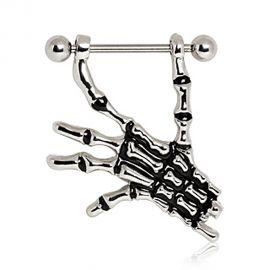Piercing téton main de squelette