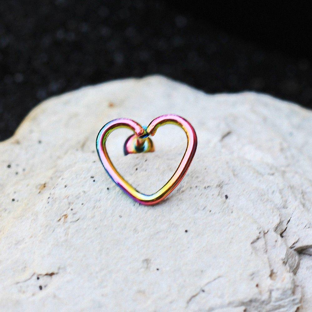 piercing oreille cartilage en forme de coeur. Black Bedroom Furniture Sets. Home Design Ideas