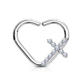 Piercing cartilage daith anneau coeur argenté croix