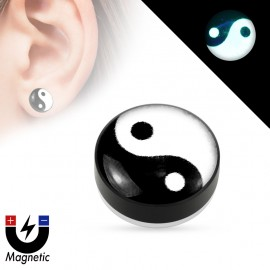 Faux piercing plug magnétique glow in the dark ying yang